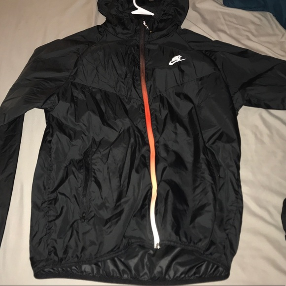 a017e613db Men s Nike Windbreaker Jacket. M 5ad7dbf845b30c9156c585fe